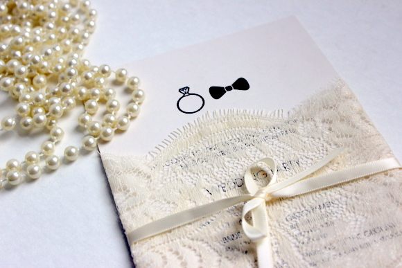 How to make vintage wedding programs with lace
