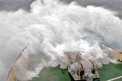Fighting 8 Meter Seas and Gale Force 8 Winds, Drake Passage (by Polar Star Staff)