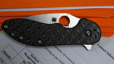 Tactical folder from Spyderco: The domino