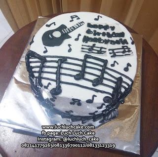 Kue Tart Ulang Tahun Buttercream Gitar