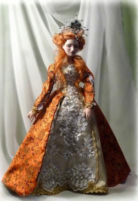 muñeca de porcelana reina elizabeth de inglaterra
