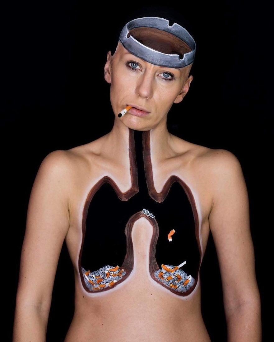 10-Human-Ashtray-Mirjana-Kika-Milosevic-Body-Painting-NO-Photoshop-come-see-the-Videos