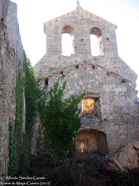 moya-iglesia-santisima-trinidad-interior