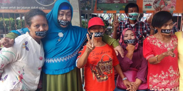 Gelar Aksi Plester Mulut, Ahoker Jadi Bahan Olok-Olok Netizen: Kalau Nasi Kotaknya Datang Plesternya Pasti Dilepas