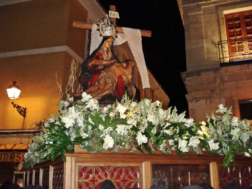Nuestra Señora de la Piedad. Iglesia de San Martín. Real cofradía de Minerva y Vera Cruz. León. Foto A. Márquez.