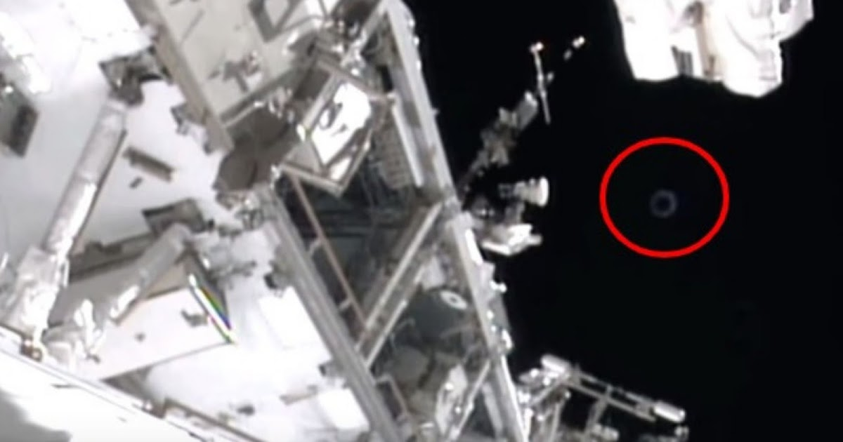 NASA Blatantly Cuts ISS Live Feed Turns It Back On UFO Has Gone