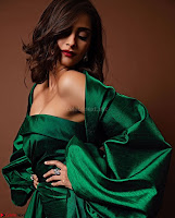 Sonam Kapoor in Deep neck green Gown ~  Exclusive Pics 003.jpg