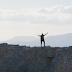 ΣΑΛΟΣ ΜΕ την σκισμένη Ελληνική ΣΗΜΑΙΑ που εμφανίζεται στο ΝΕΟ video clip ΤΟΥ γνωστού τραγουδιστή Νίκου Μακρόπουλου!!ΒΙΝΤΕΟ ΚΛΙΠ!!