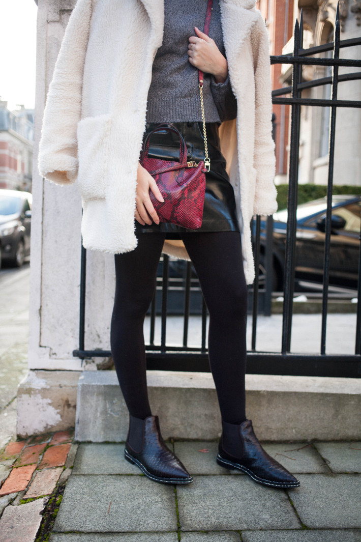 Outfit: winklepicker boots, patent leather skirt