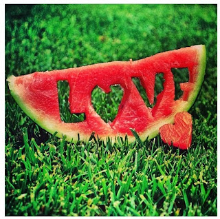 Amar no es mirarse el uno al otro, es mirar juntos en la misma ...