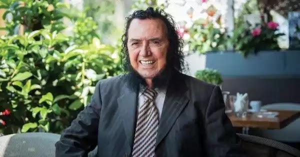 Σταμάτης Κόκοτας: Του δίνανε 50.000.000 δραχμές για να ξυρίσει τις φαβορίτες του! (βίντεο)
