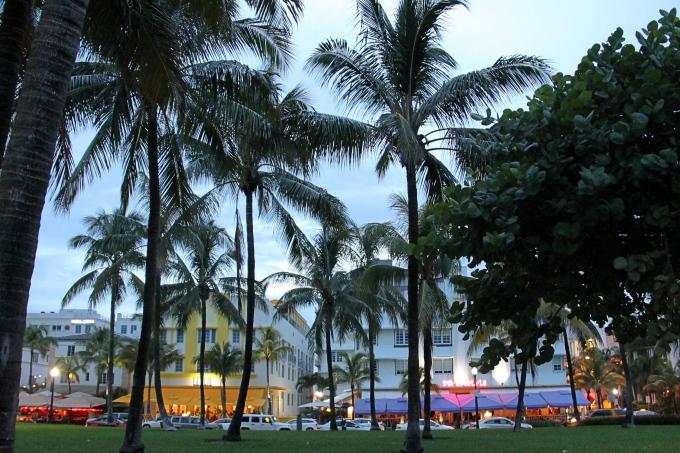 Art Deco Miami Beach South lasten kanssa - missä kannattaa majoittua?