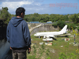 Pesawat Yang Parkir Cantik Dekat Pantai Pandawa