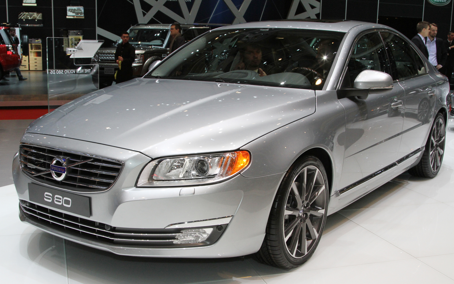 2014 volvo xc60 s60 hit the geneva show floor new cars reviews. Black Bedroom Furniture Sets. Home Design Ideas