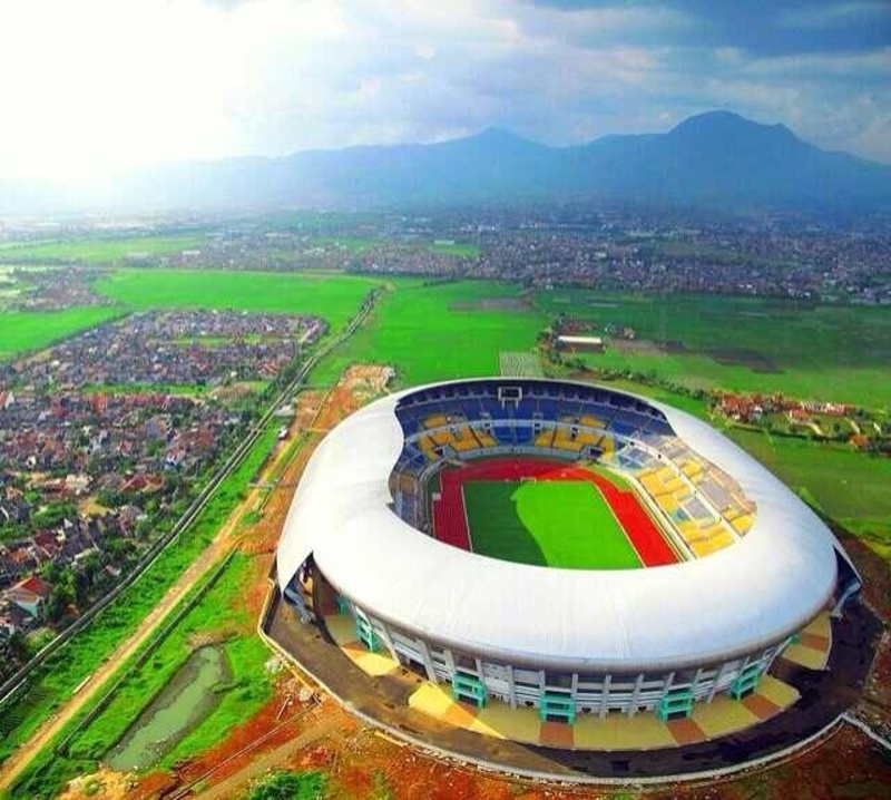 10 Stadion Termegah di Indonesia  Part 2  Weproud