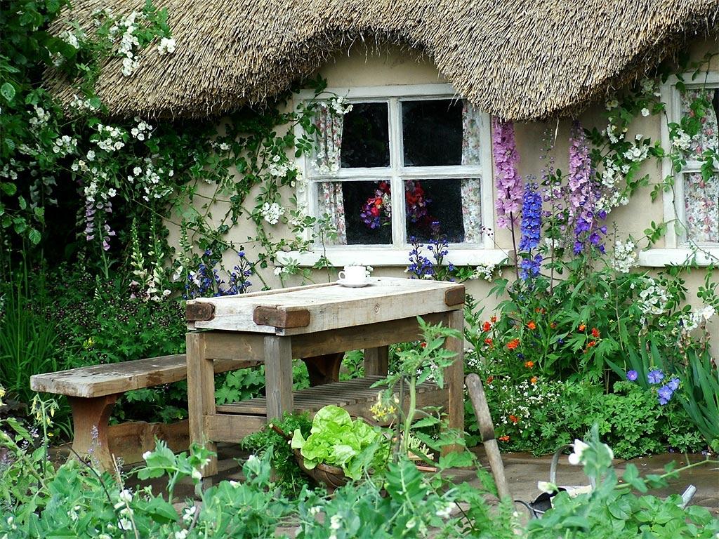 Cottage Gardens: Gypsy Caravan Essentials: Dream House Tour