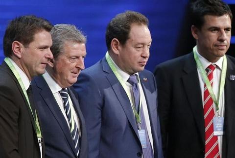 Roy Hodgson quyết định ở lại đến hết Euro 2016