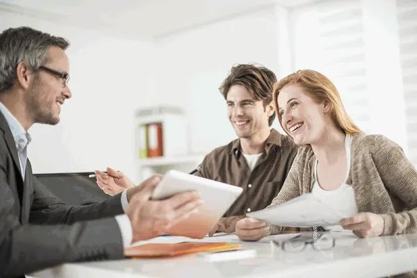 real estate agent interview, real estate school, real estate classes, find a realtor, real estate courses, real estate agent course, real estate agent websites, foreclosures, sell by owner, estate agents
