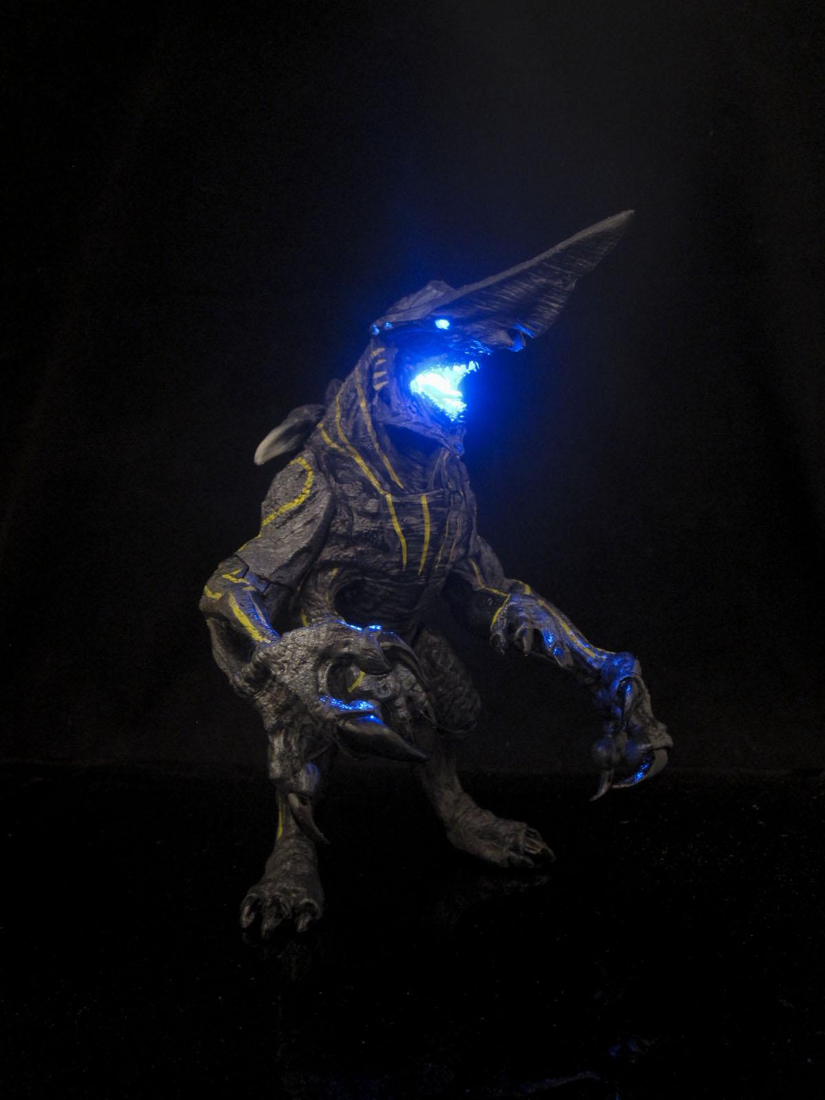 PACIFIC RIM KNIFEHEAD KAIJU neca custom light up action ... Pacific Rim Kaiju Knifehead