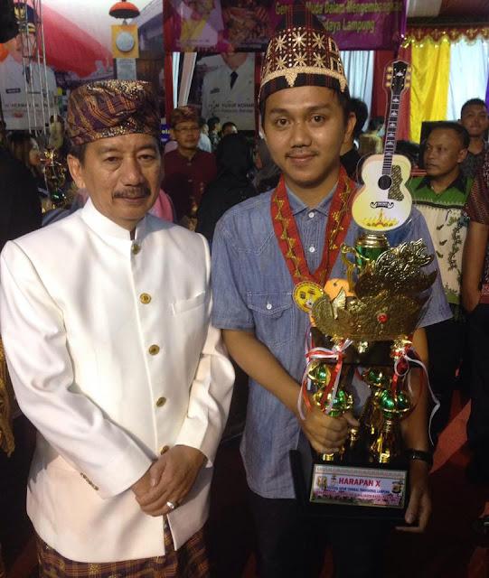 pemenang Gitiar Tunggal Lampung bersama pak Walikota bandar Lampung