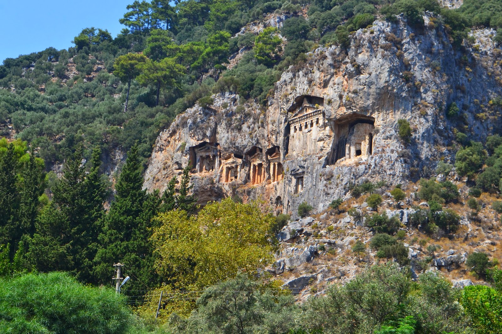 the carvings in the rocks at Dalyan