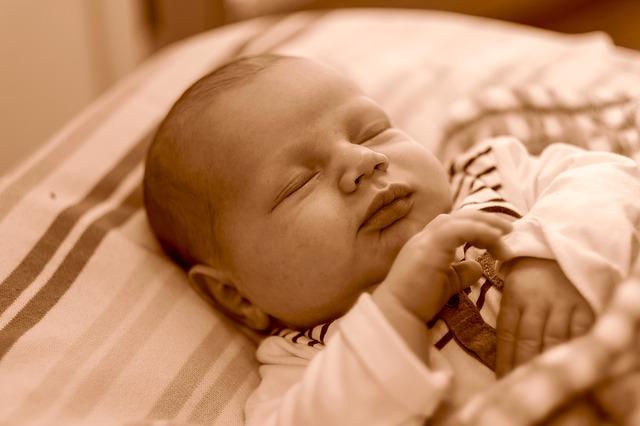 Baby schläft und lässt sich nicht ablegen