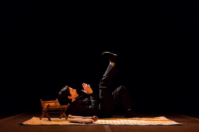 Espetáculo solo de Eduardo Okamoto em Registro-SP