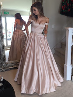 http://uk.millybridal.org/product/ball-gown-off-the-shoulder-satin-with-beading-floor-length-prom-dress-ukm020104578-21455.html?utm_source=minipost&utm_medium=2483&utm_campaign=blog