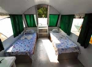 kamar anak kembar perempuan