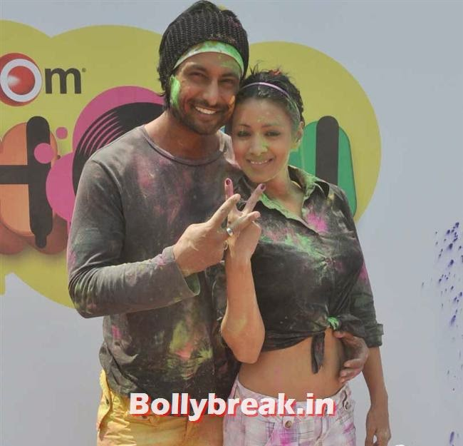Barkha Bisht and Indraneil Sengupta, Sunny, Tanisha, Poonam & Kainaat at Zoom Holi Party 2014