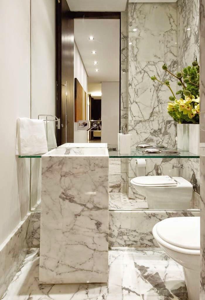 decoracao no lavabo:Lavabo revestido de mármore carrara, inclusive a cuba de piso – lindo