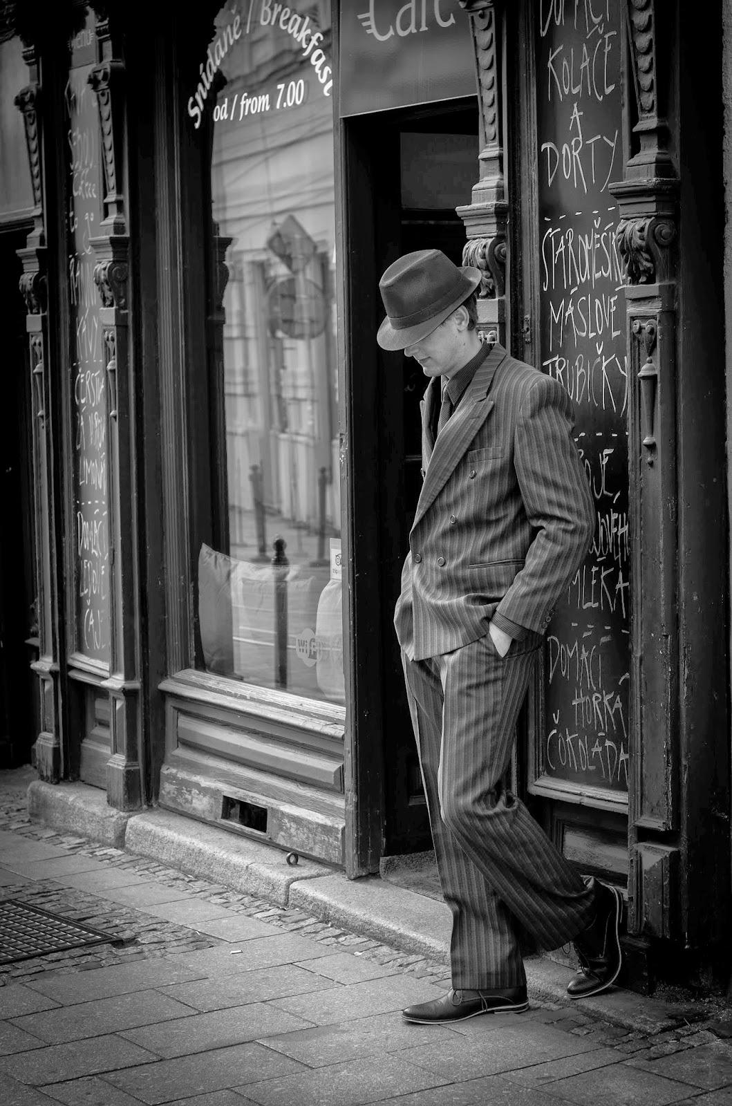 c86d33e60 ... svou představu o nošení pánské dobové módy. K tomu mě vlastně  inspiroval i článek, který jsem nedávno uveřejňovala na našich  facebookových stránkách.