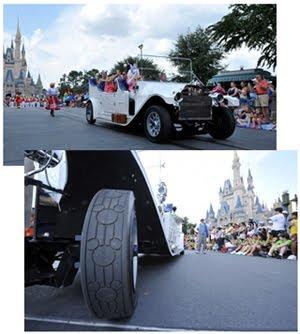 064fcb98d ... inspirado em um carro de 1912. Recentemente o veículo ganhou um novo  detalhe muito especial  pneus com as orelhinhas do querido Mickey Mouse.