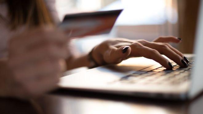 Qué son las estafas de productos fantasma por internet y cómo evitar caer en ellas