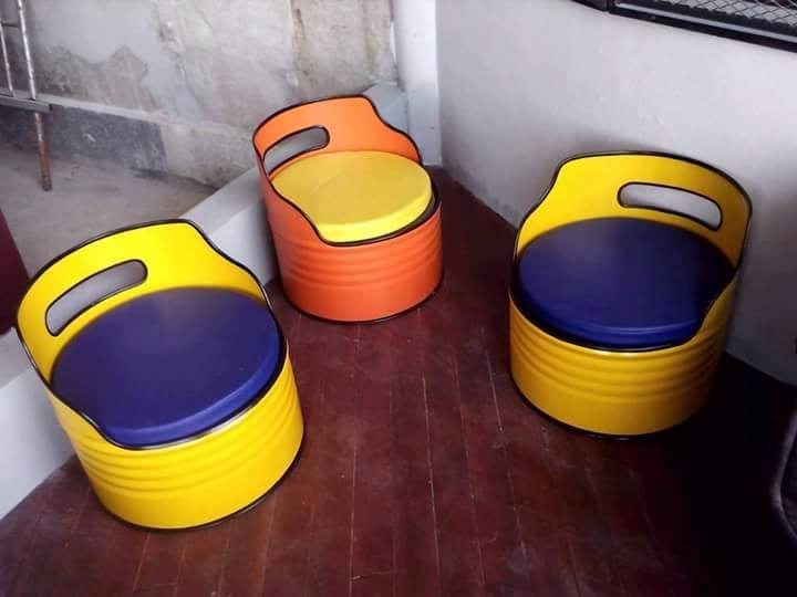 Aneka Kerajinan Tangan Bangku dan Sofa Dari Drum Bekas