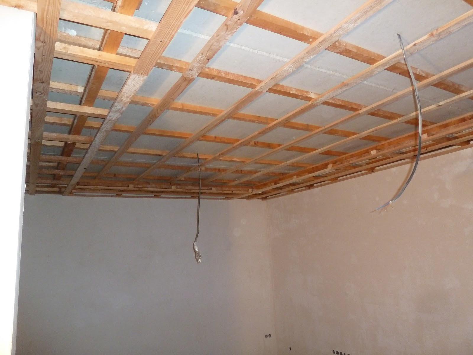 decke abh ngen wohnzimmer haus design m bel ideen und innenarchitektur. Black Bedroom Furniture Sets. Home Design Ideas