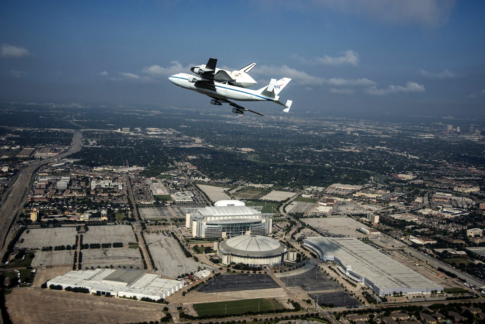 how long is space shuttle endeavour - photo #45