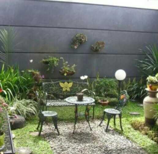 foto taman depan rumah minimalis lahan kecil