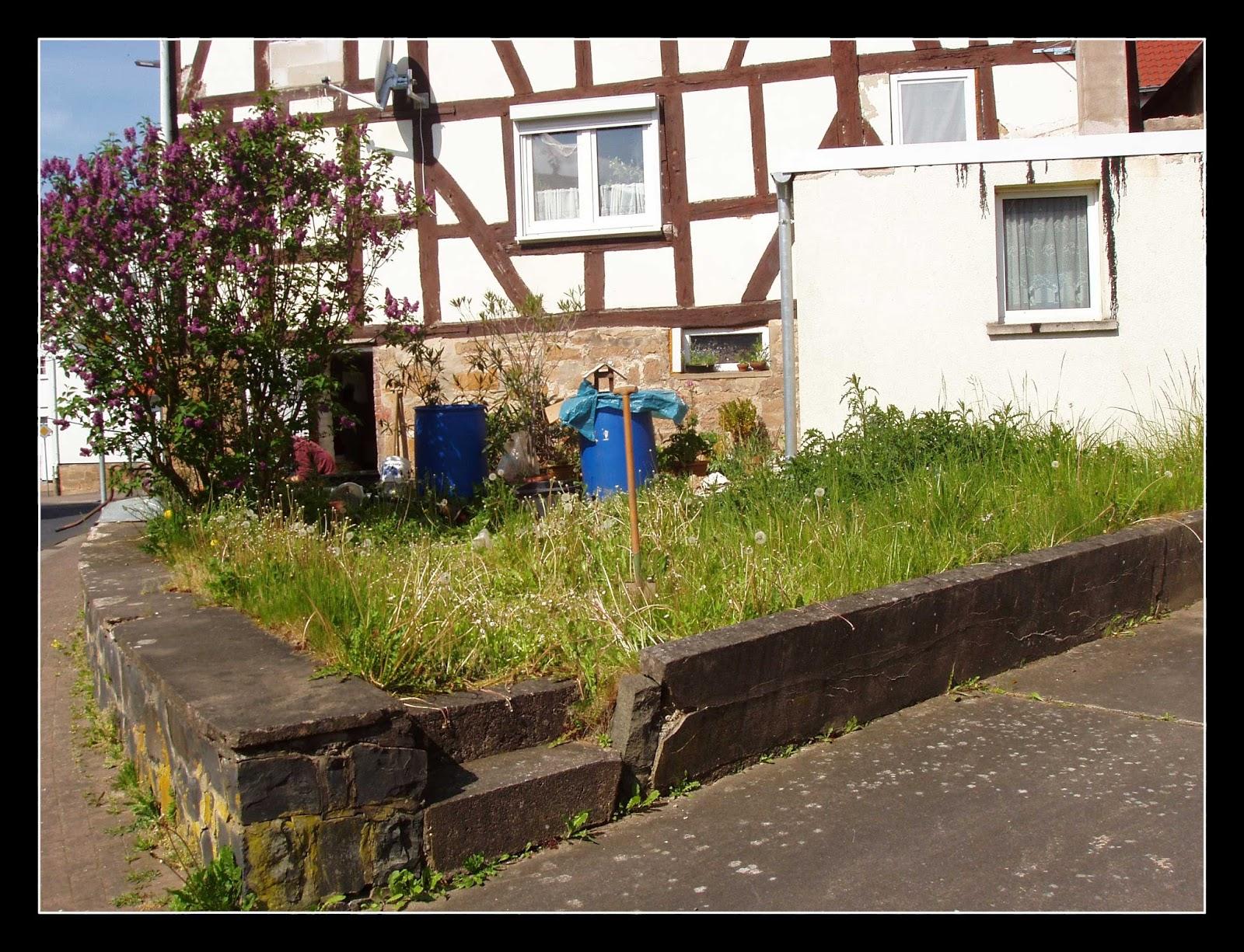 My Schimmelbude is my castle: Gartenmauer 1.0