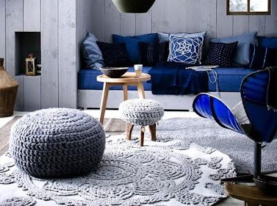 Tapetes de crochê com cores neutras vão bem em qualquer ambiente