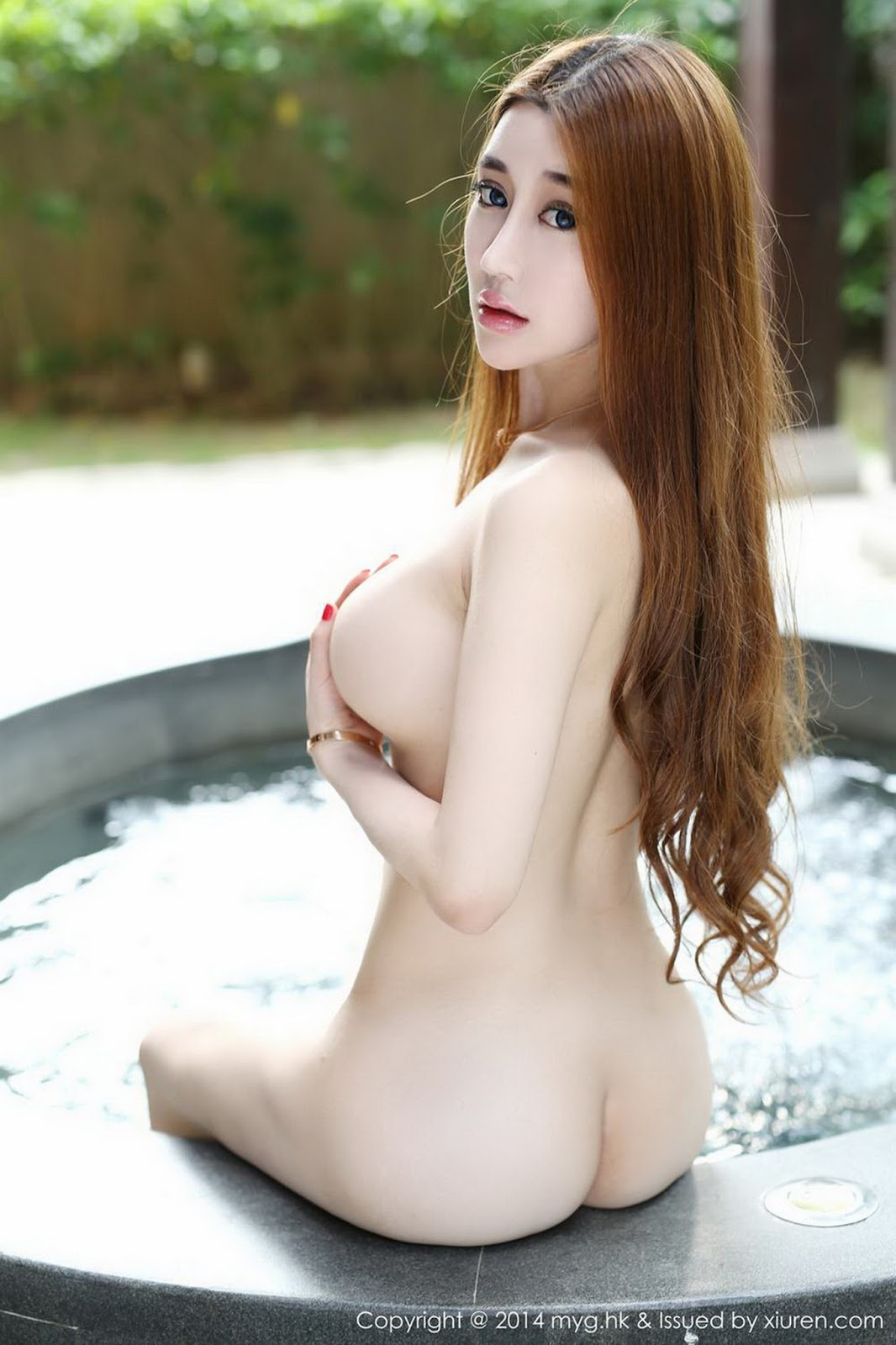 sexy girl in china tube