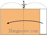 Bước 5: Gấp đôi cạnh giấy sang trái, sau đó mở ra để tạo nếp gấp.