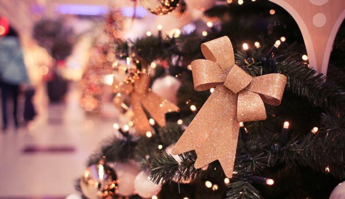 Blogmas Day 16 | Christmas TV Highlights