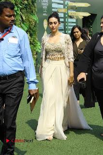 Actress Karishma Kapoor Walks For Arpita Mehta at LFW Summer 2017  0016.jpg
