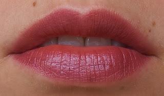 Manhattan lips2last Gloss 65N Tragefoto