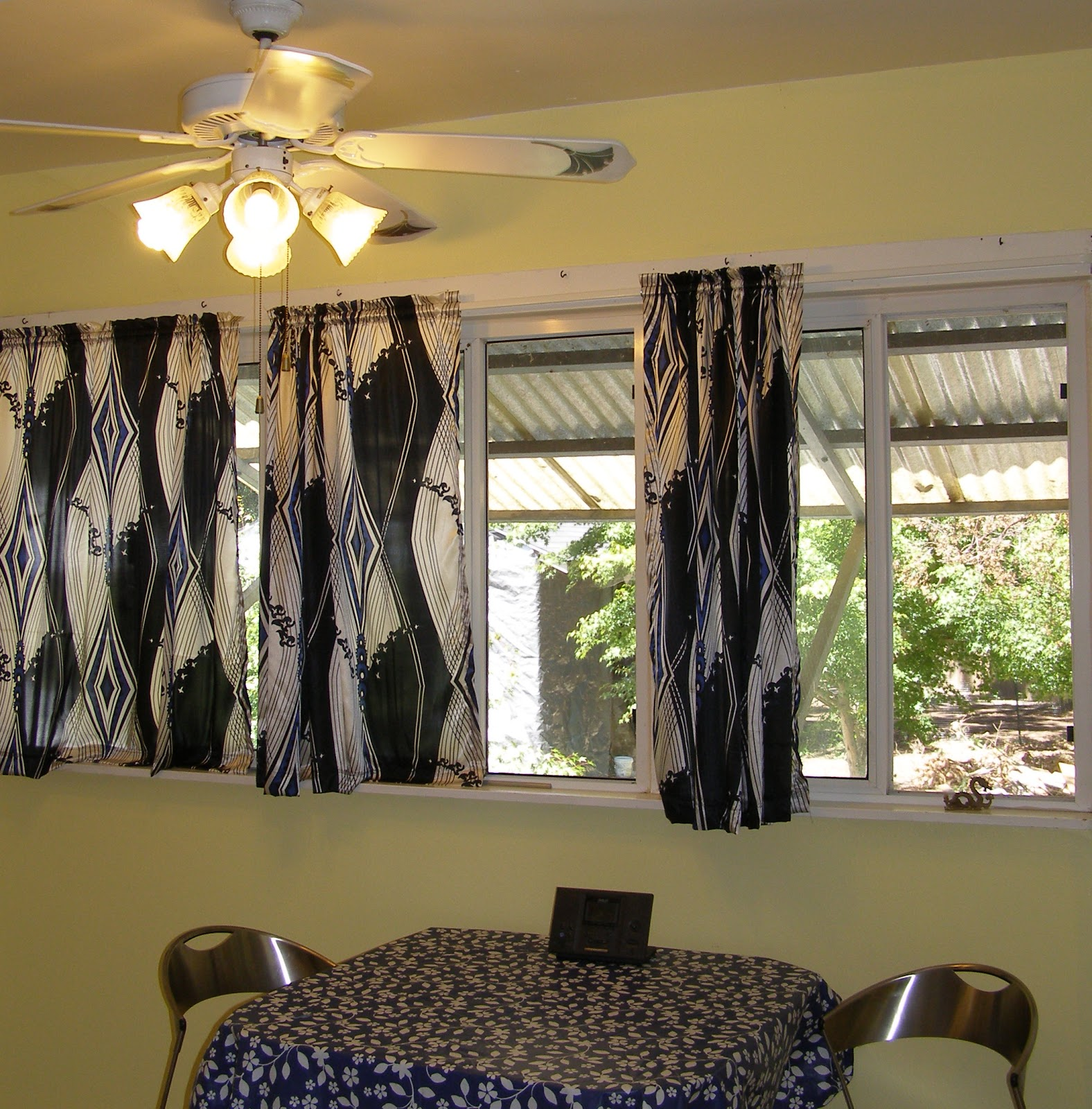 decorating ideas for hanging picture frames - Modern Kitchen Curtains And Valances