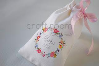 μπομπονιέρα βάπτισης με λουλουδάκια για κοριτσάκι