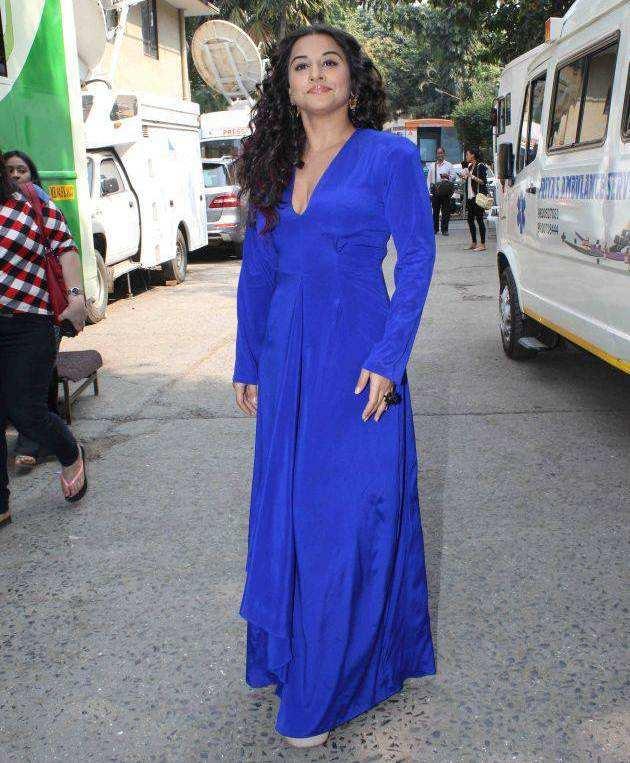 Vidya Balan Stills In Blue Dress at Nach Baliye Grand Finale