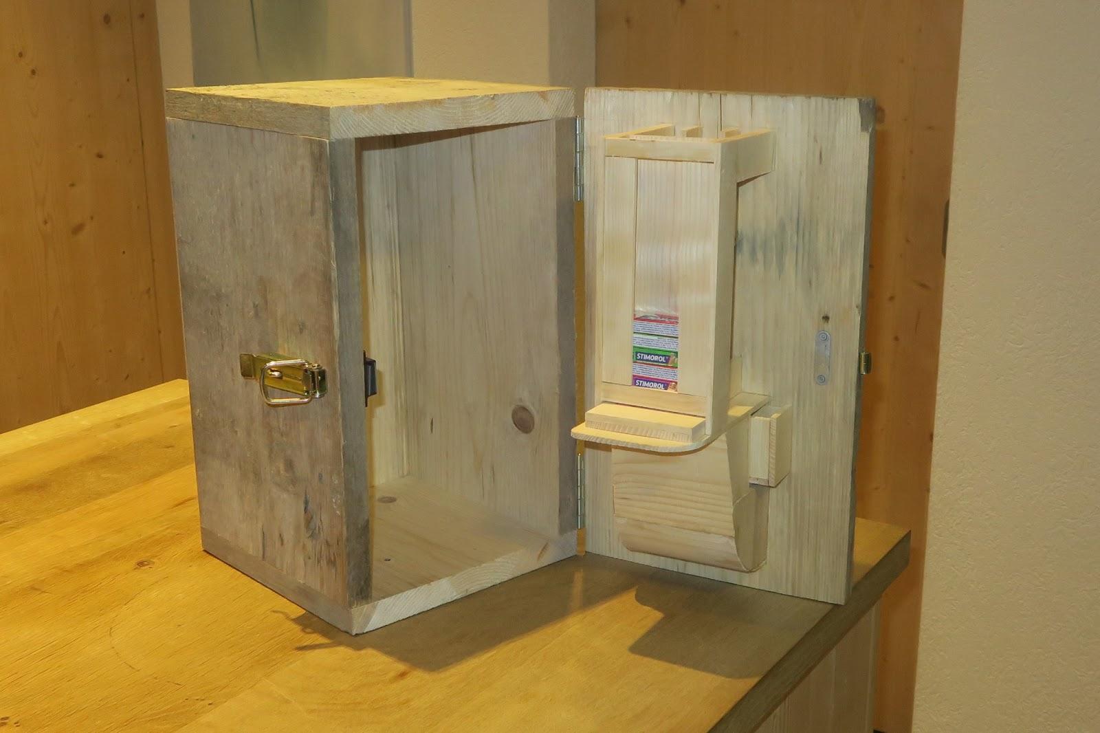 holzhaus wir bauen ein haus aus holz kaugummiautomat selber bauen. Black Bedroom Furniture Sets. Home Design Ideas