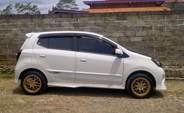 Foto Mobil Toyota Agya minimalis
